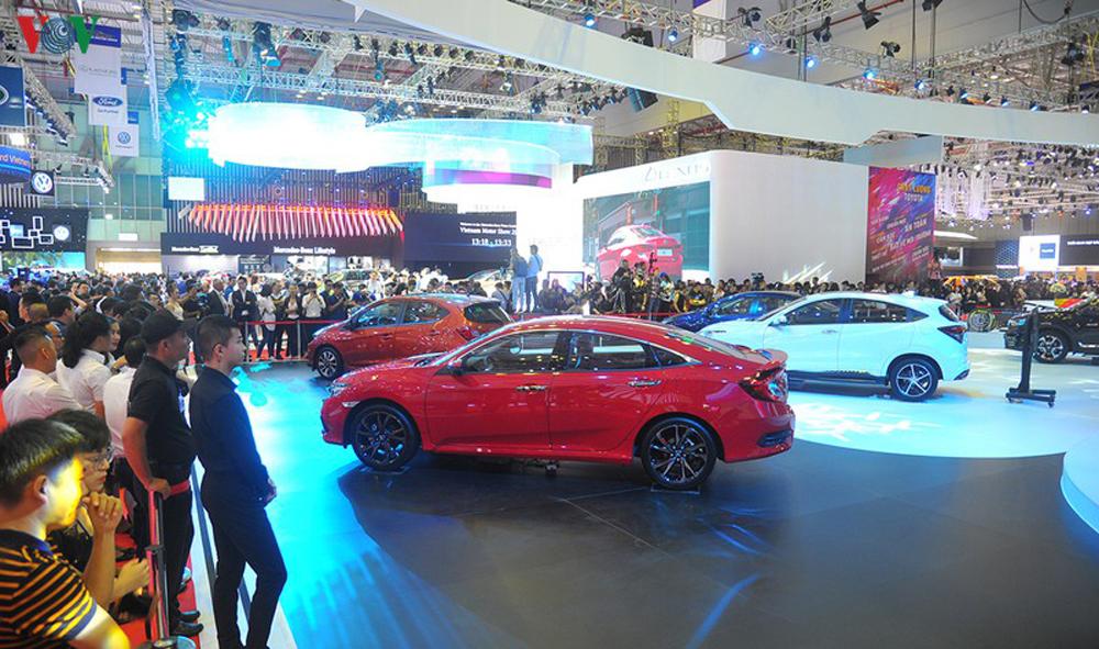 VMS, Triển lãm ô tô Việt Nam 2019, khai mạc Vietnam Motor Show 2019, Ford Escape
