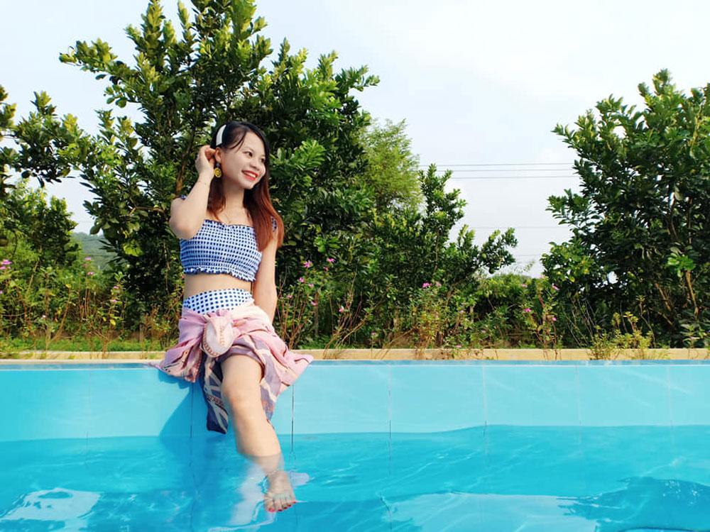 Cô gái một chân, tốt nghiệp bằng giỏi, tự tin, mình đẹp, cách riêng