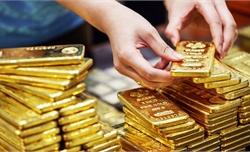 Giá vàng trong nước và thế giới đồng loạt giảm mạnh