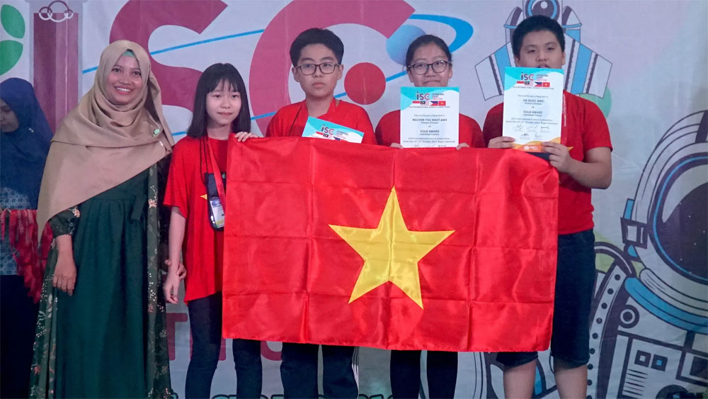 Vietnamese students, four golds, science competition, Vietnamese team, team and individual competitions, best performance, robot competition