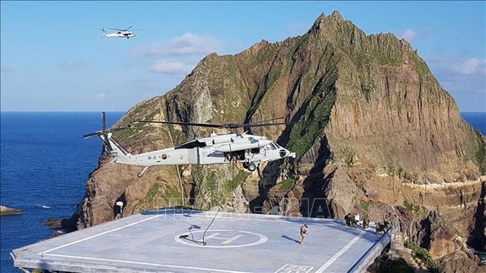 Rơi trực thăng, gần đảo tranh chấp, Nhật Bản, 7 người Hàn Quốc mất tích