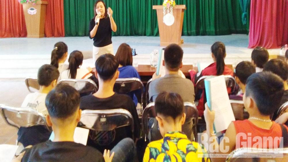 Truyền dạy, hát chèo, quan họ, cho học sinh, xã Dĩnh Trì