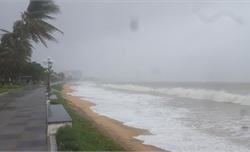 Lại xuất hiện vùng áp thấp trên biển Đông, mưa dông diện rộng phức tạp