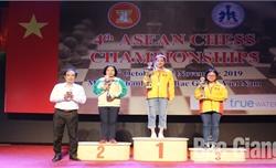 Bế mạc Giải vô địch cờ vua Đông Nam Á năm 2019: VĐV  Võ Thị Kim  Phụng (Bắc Giang) giành 1 HCV, 1 HCB