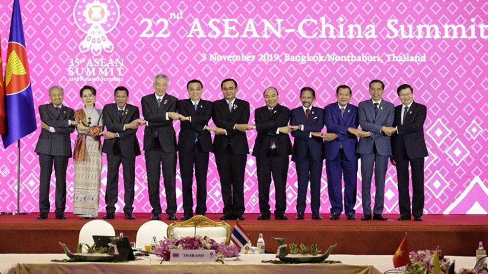 Thủ tướng Nguyễn Xuân Phúc, Hội nghị Cấp cao ASEAN – Trung Quốc lần thứ 22, Thủ tướng Trung Quốc Lý Khắc Cường