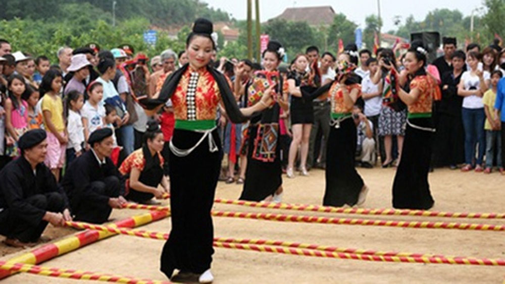 Honouring Vietnamese ethnic groups' cultural quintessence