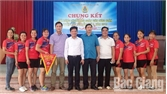 Chung kết giải bóng chuyền hơi đoàn viên công đoàn huyện Việt Yên lần thứ III