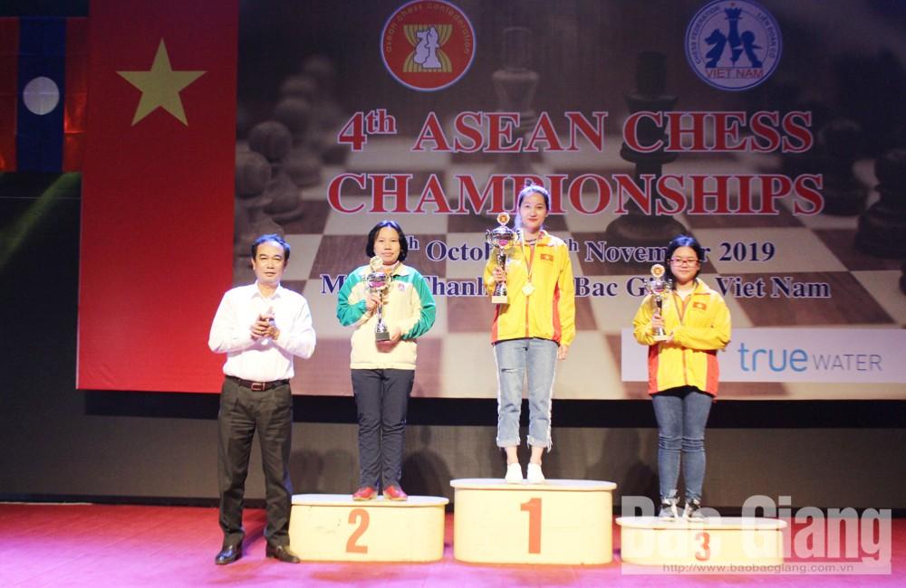 Vo Thi Kim Phung (Bac Giang) bags 1 gold, 1 silver at 2019 ASEAN Chess Championship