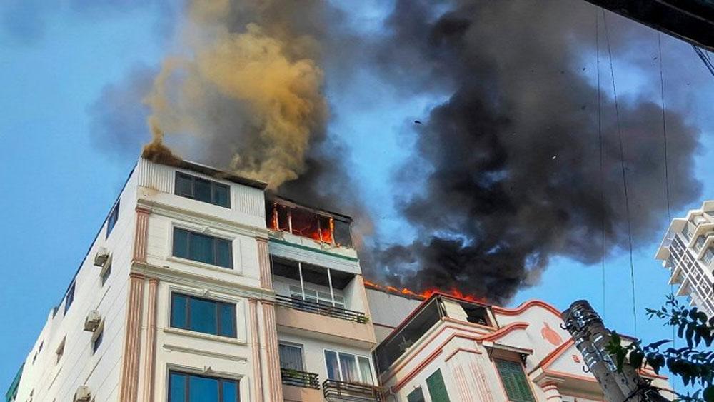 Chung cư mini ở Hà Nội, bốc cháy ngùn ngụt, người dân, hốt hoảng tháo chạy, chung cư mini House Xinh Group