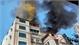 Chung cư mini ở Hà Nội bốc cháy ngùn ngụt, người dân hốt hoảng tháo chạy