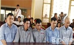 Vụ đào hầm trộm cắp màn hình điện thoại di động ở Bắc Giang: Đối tượng cuối cùng trốn truy nã lĩnh án