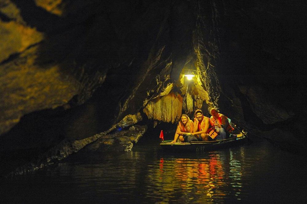 Trang An, beauty in Autumn, Scenic Landscape Complex,  attractive tourist destination, Ninh Binh province