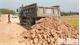 Bắt quả tang cá nhân khai thác đất trái phép tại Lục Nam