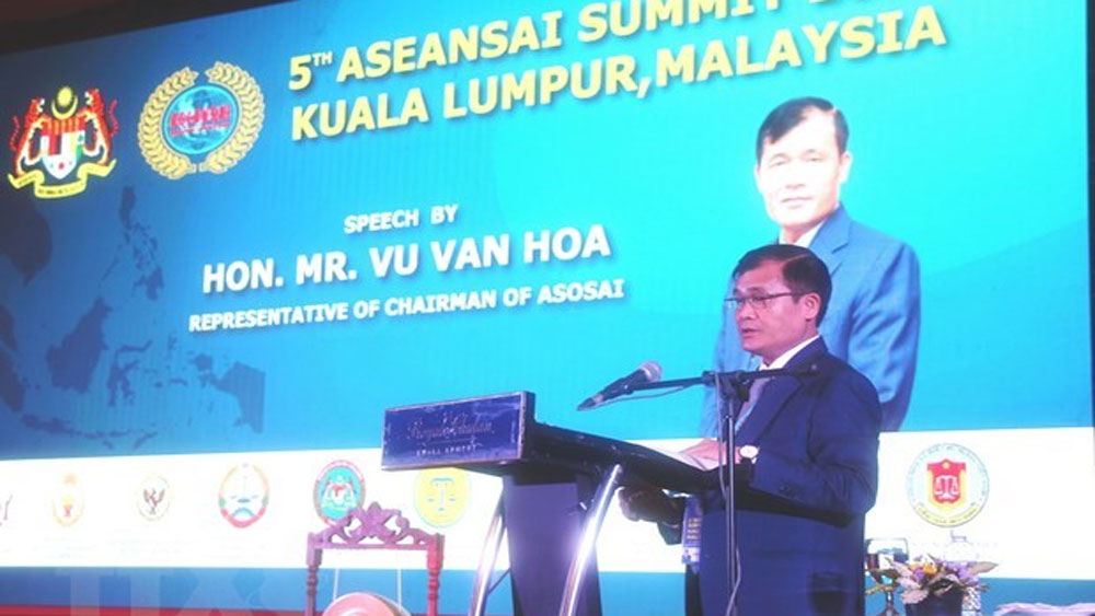 Vietnam attends 5th ASEANSAI Summit in Indonesia