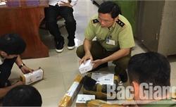 Bắc Giang: Phát hiện 10 vụ vận chuyển, buôn bán linh kiện súng tự chế qua đường bưu chính
