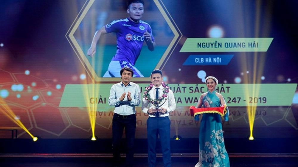 Hanoi FC's Nguyen Quang Hai named best player of V.League 2019