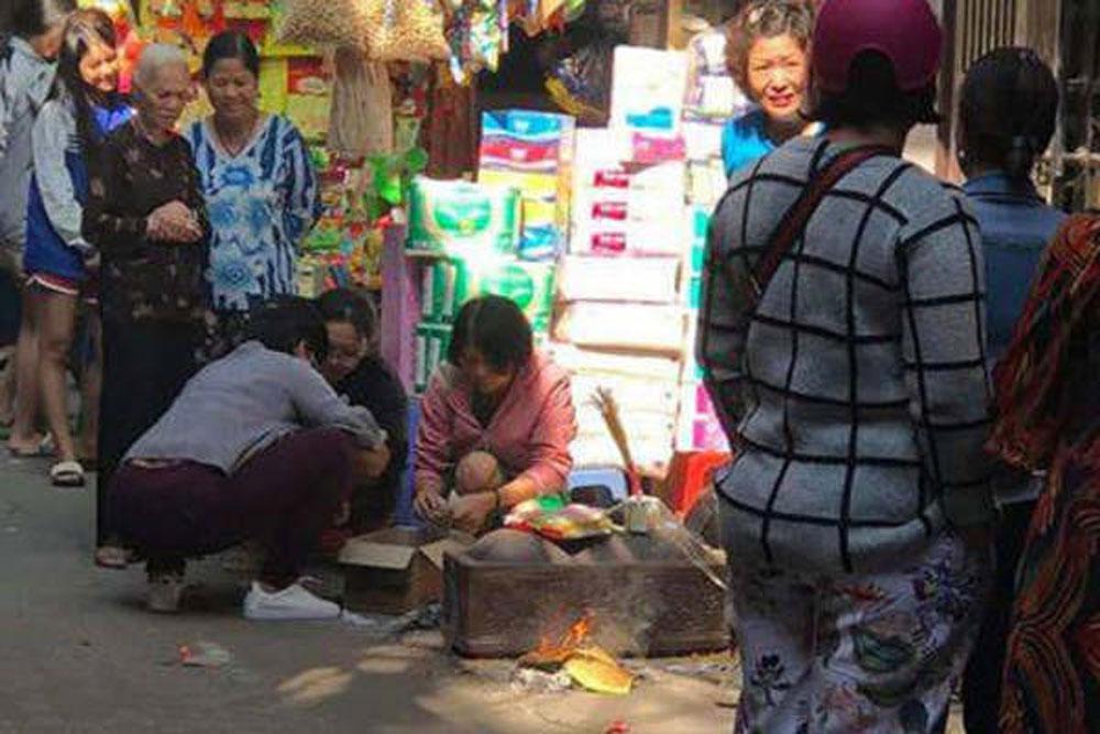 Nữ sinh học viện ở Hà Nội, sinh con, rồi bỏ vào thùng rác