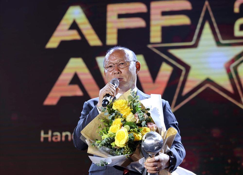 HLV Park Hang Seo, vòng loại World Cup 2022, AFF Award Night, Tan Cheng Hoe, VFF