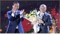 HLV Park Hang-seo và Quang Hải lần đầu tiên giành AFF Awards