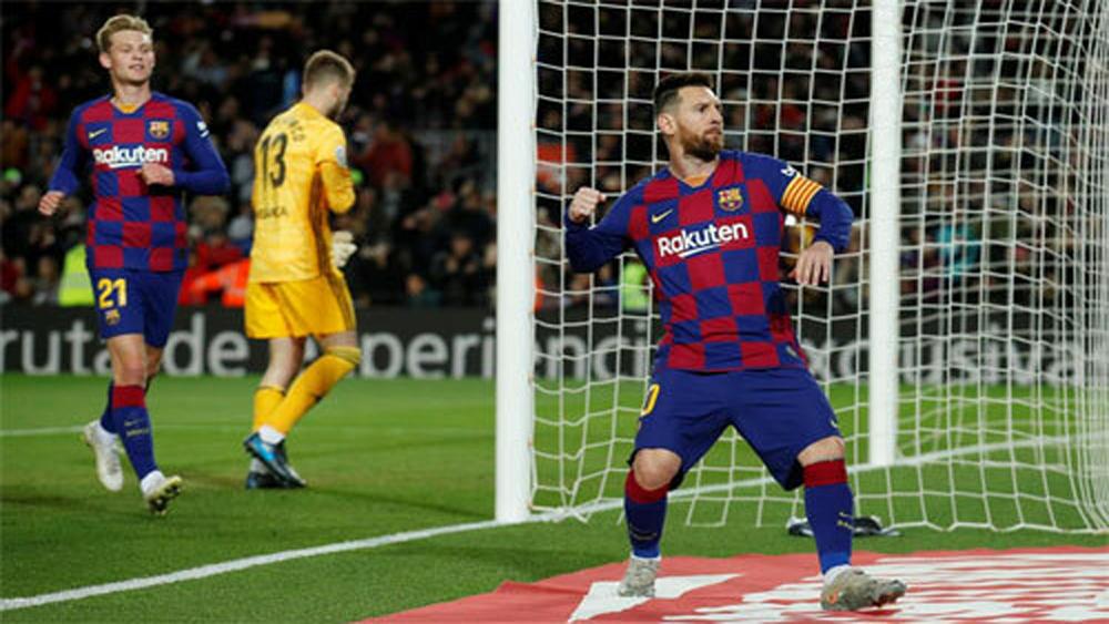 Messi, Barca, hat-trick, sút phạt