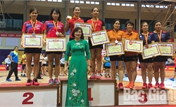 Nhiều hoạt động giao lưu thể thao chào mừng Ngày Nhà giáo Việt Nam 20-11