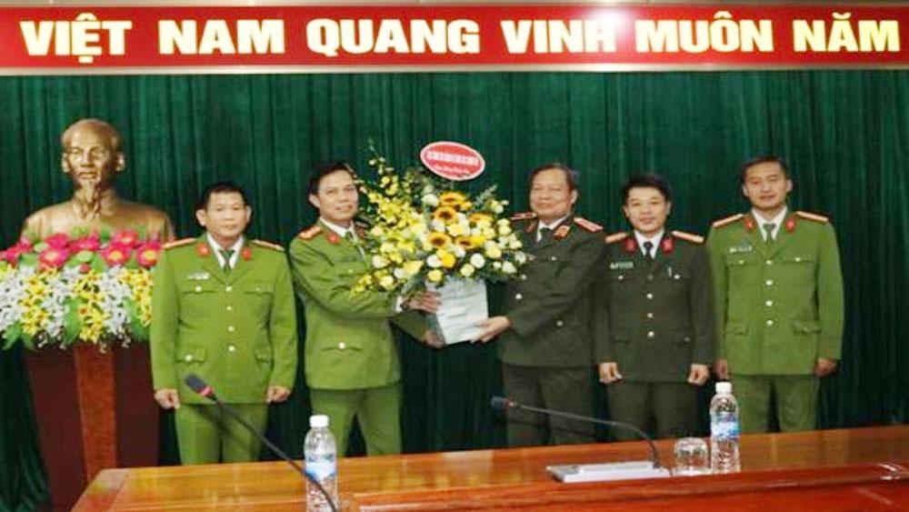 Thiếu tướng Đào Gia Bảo, Cục trưởng cục công tác đảng và công tác chính trị, chúc mừng Ban Chuyên án 919B.