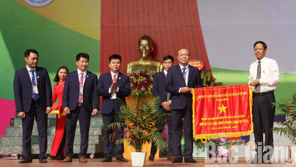 Trường THPT Việt Yên số 2 kỷ niệm 20 năm thành lập