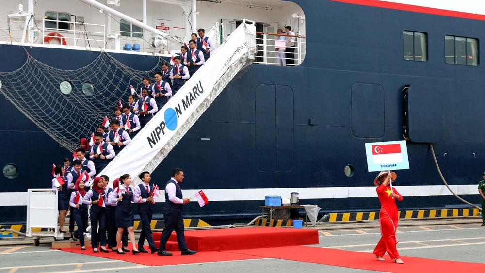 Tàu Thanh niên Đông Nam Á, Nhật Bản, Việt Nam