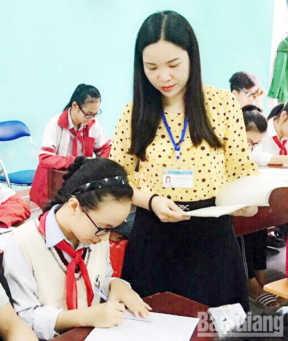 Bắc Giang, Yên Thế, Trường THCS Hoàng Hoa Thám, thi đua khen thưởng, bồi dưỡng học sinh giỏi, chất lượng giáo dục