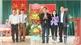 Phó Chủ tịch Thường trực HĐND tỉnh Bùi Văn Hạnh dự Ngày hội Đại đoàn kết toàn dân tộc tại huyện Hiệp Hòa