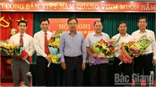 Đồng chí Ngô Tiến Dũng giữ chức Bí thư Huyện ủy, đồng chí Hoàng Công Bộ giữ chức Chủ tịch UBND huyện Hiệp Hòa