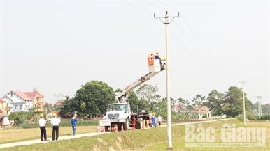 Mất an toàn lưới điện: Nguy cơ từ thú chơi diều