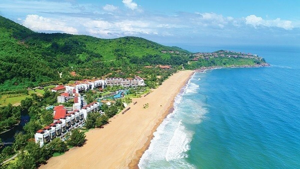 Two resorts, Lang Co, Asia's best, Banyan Tree Lăng Cô, Angsana Lăng Cô, Readers Choice Awards 2019, fascinating landscape