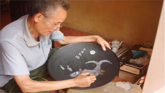 Hanoi's two more craft villages recognised as tourist destinations
