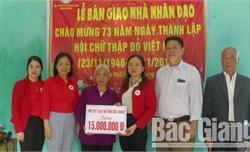 Bắc Giang: Bàn giao nhà nhân đạo cho gia đình phụ nữ đặc biệt khó khăn