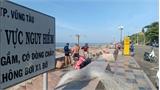 Vụ phát hiện 2 thi thể trẻ em ở bờ biển: Công an tìm người cha để xác minh