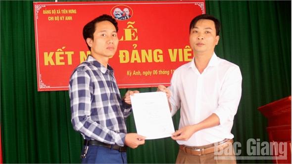 Lục Nam chú trọng tạo nguồn,  nâng chất lượng đảng viên mới