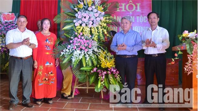 Phó Chủ tịch HĐND tỉnh Từ Minh Hải dự Ngày hội Đại đoàn kết toàn dân tộc tại huyện Lục Nam
