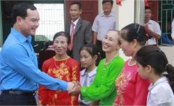 Chủ tịch Tổng Liên đoàn Lao động Việt Nam Nguyễn Đình Khang dự Ngày hội Đại đoàn kết tại xã An Hà
