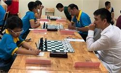 Kỳ thủ 8 tuổi thắng Đại kiện tướng cờ vua