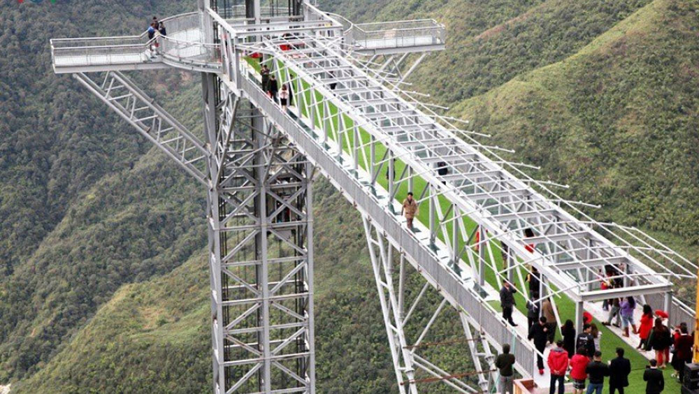 Rong May Glass Bridge, tourism site, Lai Chau province, Sun Gate Group,  White Falls, community-based tourist areas