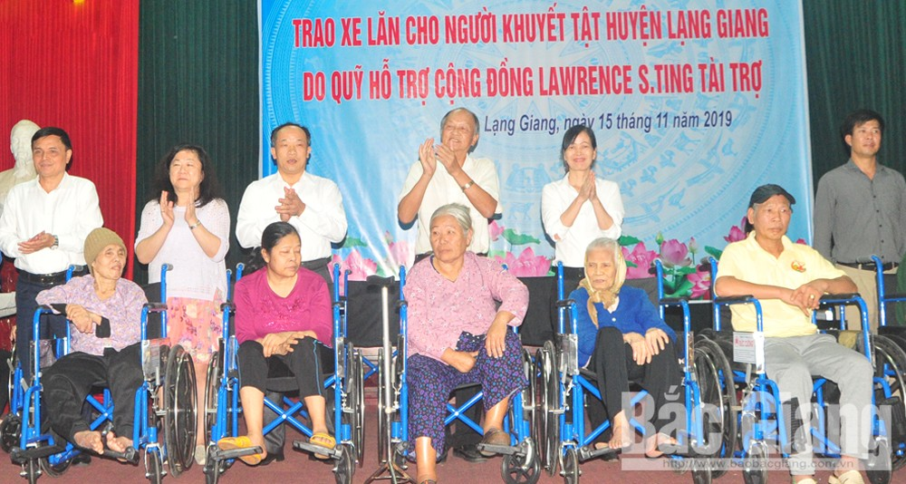 Lawrence S.ting Fund, wheelchairs, disabled people, Bac Giang province, Community Support Fund,  local people with disabilities