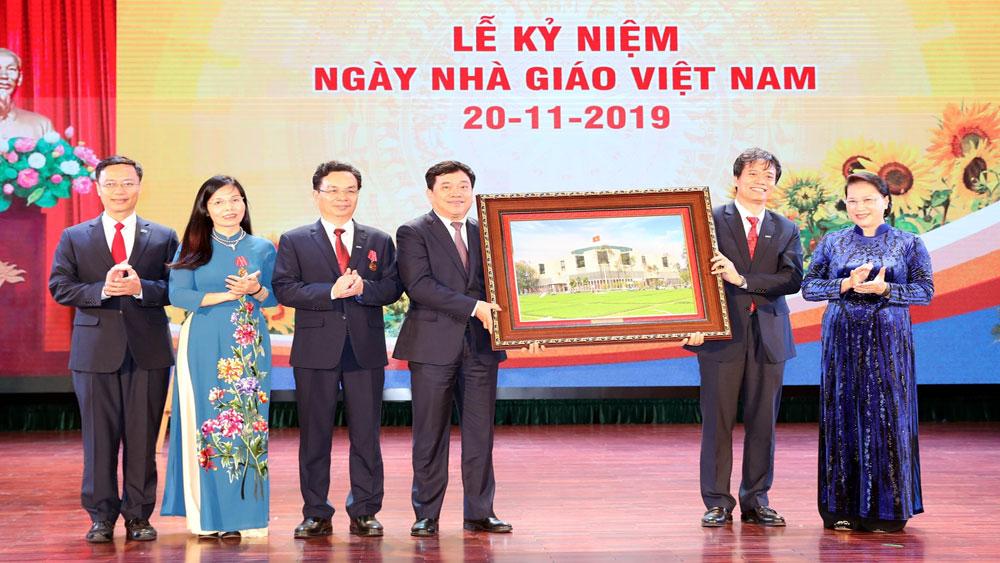 Chủ tịch Quốc hội Nguyễn Thị Kim Ngân, Lễ Kỷ niệm Ngày Nhà giáo Việt Nam, Trường Đại học Kinh tế quốc dân