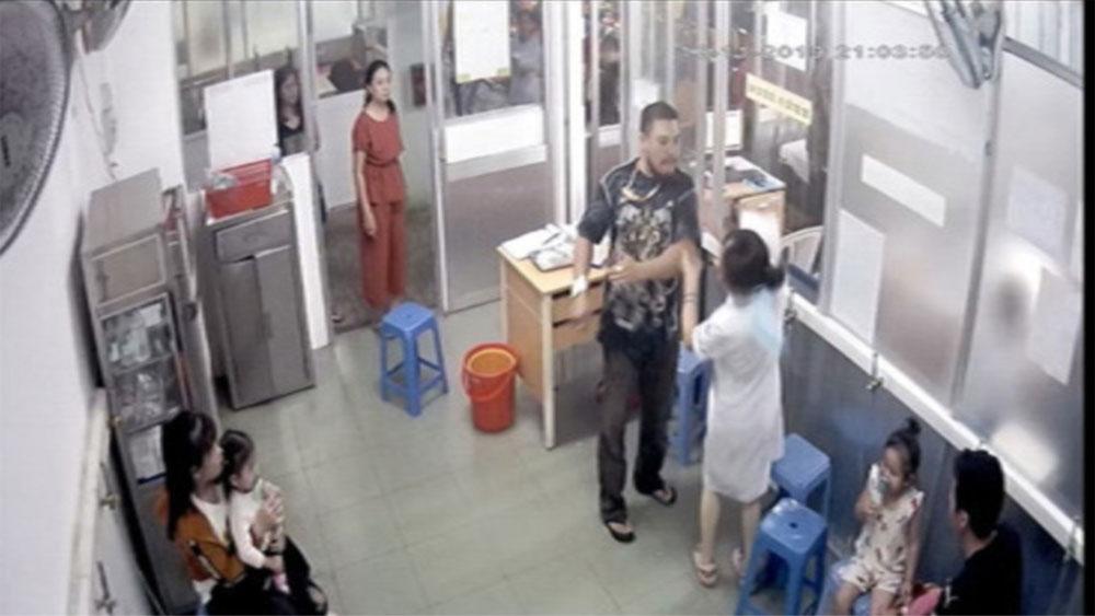 Nữ điều dưỡng bệnh viện Nhi đồng 1, bố bệnh nhi, đánh gãy xương hàm