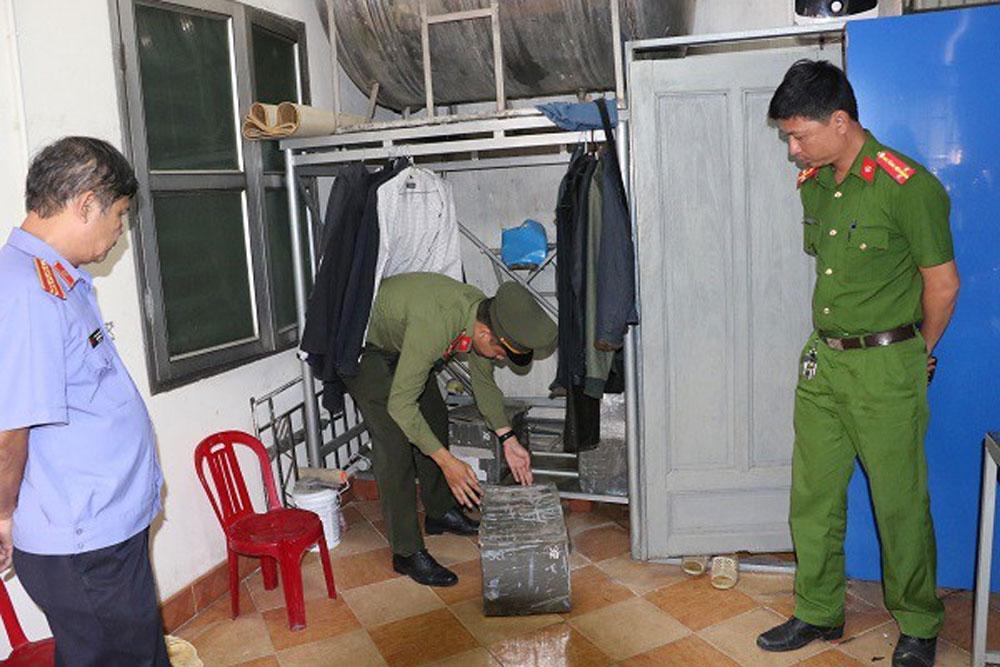 Công an Hà Tĩnh, khởi tố đối tượng, đưa người ra trốn ra nước ngoài, Nguyễn Minh Cầm