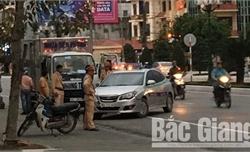 Bắc Giang: Va chạm giao thông, hai tài xế ô tô đánh nhau