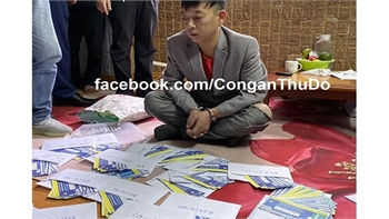 Bắt nhóm đối tượng làm giả vé bóng đá trận Việt Nam - Thái Lan