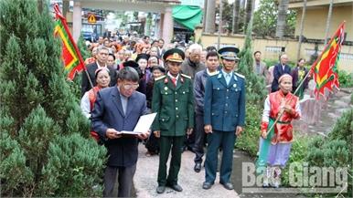 Tưởng nhớ những chiến sĩ và dân làng anh dũng hy sinh trong trận Sàn Cầu