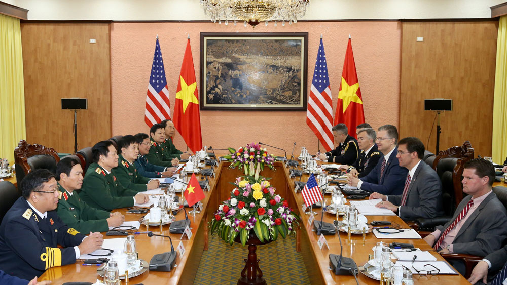 US Secretary of Defence, pays official visit to Vietnam, Defence Minister General Ngo Xuan Lich