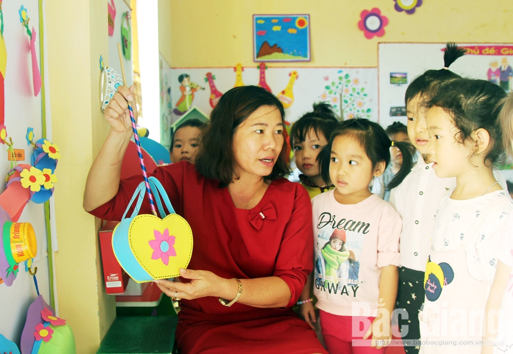 Cô giáo mầm non, hiến máu tình nguyện, Hội Chữ thập đỏ, Bùi Thị Thúy, Trường Mầm non Dĩnh Trì
